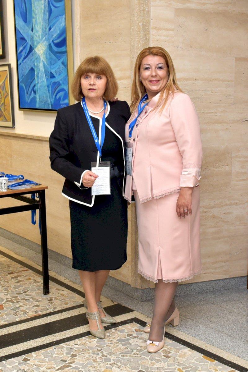 Антоанета Хинева и Д. Ганева-Общ. Варна -организатори