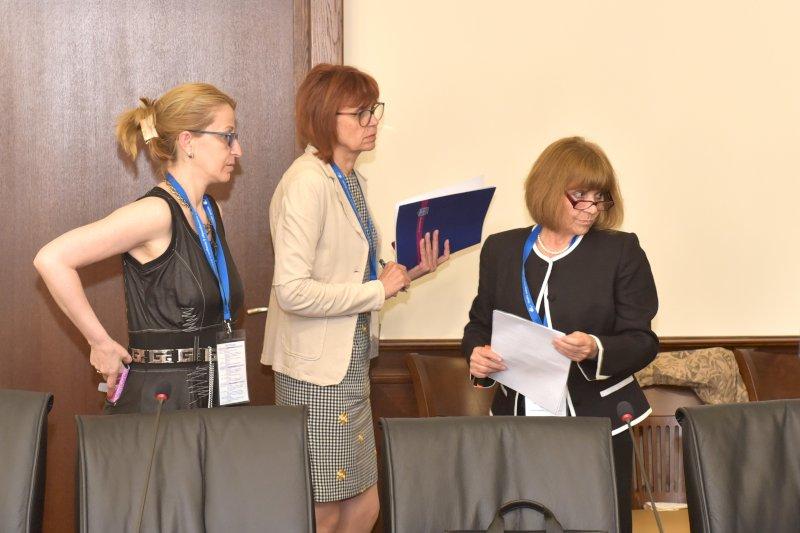 Организатори- Елена Кенарова, Мими Ганева, Румяна Ванева, Общ. Варна