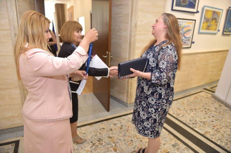 Посрещане на официални гости- г-жа Розета Заркова, и.д. началник на РУО-Ваорна