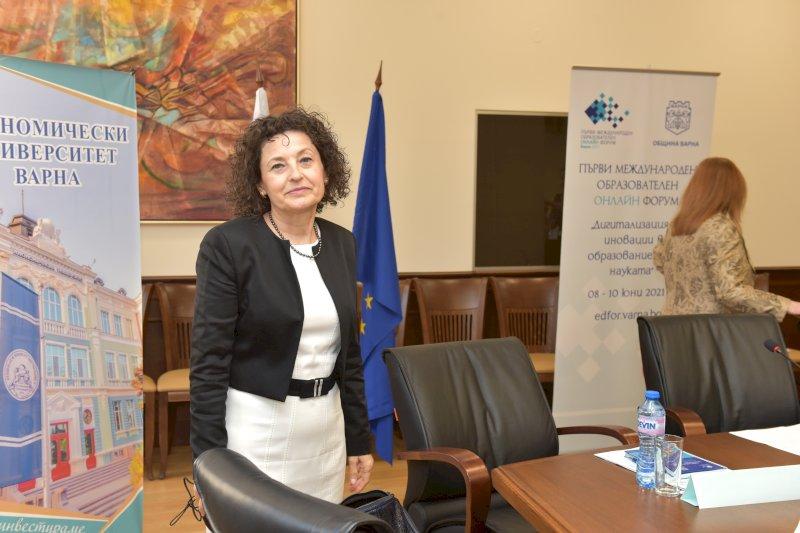 Стоянка Велянова зам. председател на работодателска организация и директор на училище