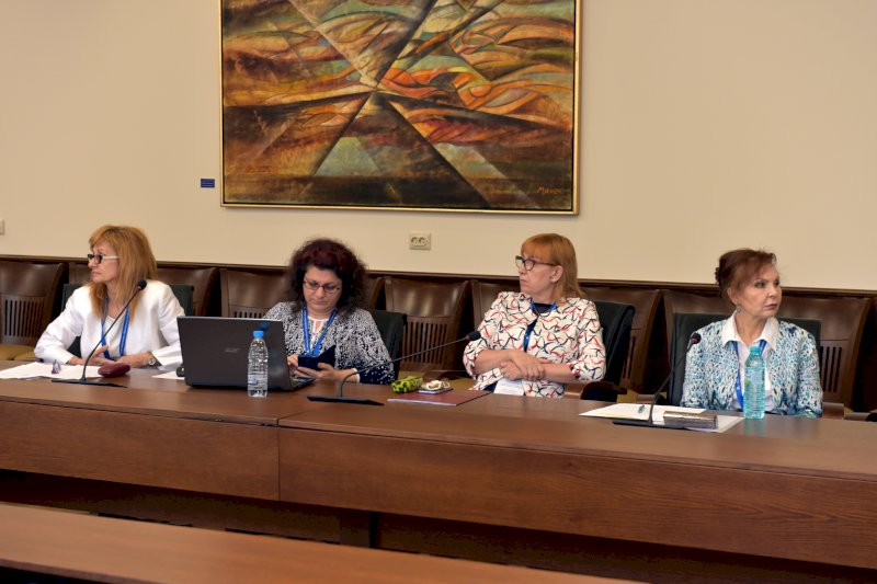 Трети ден , втори панел- Елена Колева -модератор и панелисти-директори на ДГ